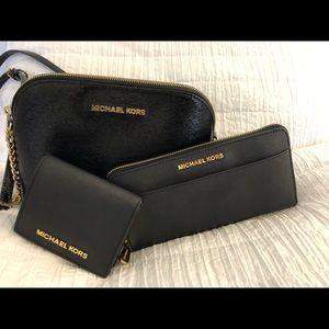 Long black Michael Kors wallet